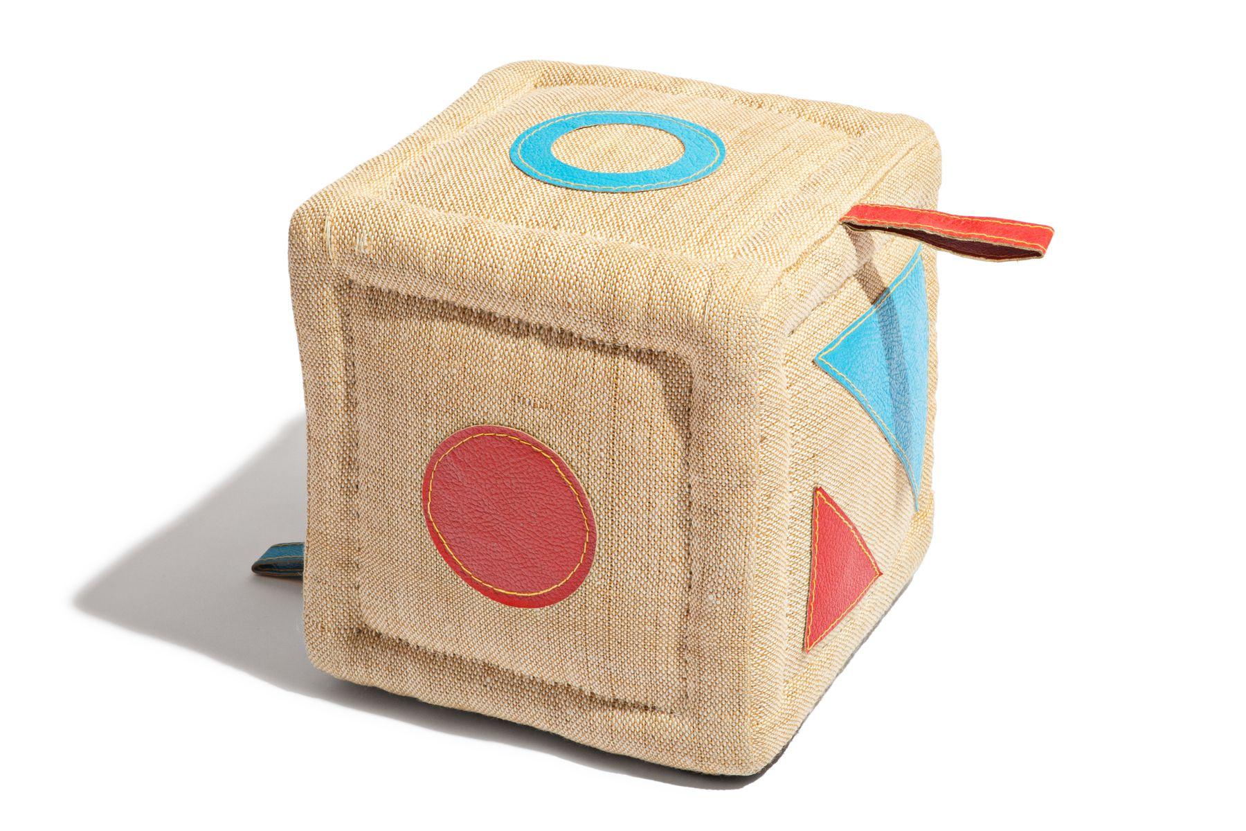 sitzpuff in w rfeloptik oder therapeutisches spielzeug von. Black Bedroom Furniture Sets. Home Design Ideas