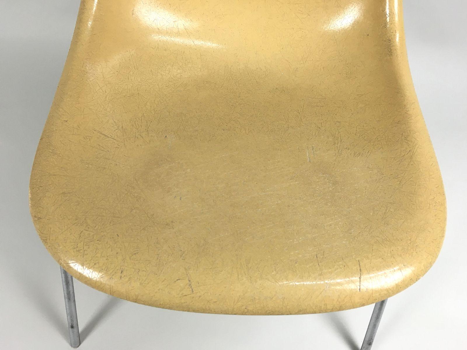 chaise d'appoint dss vintage ocre clair en fibre de verre par ... - Chaise Eames Fibre De Verre