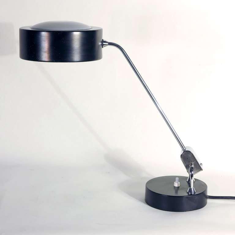 Lampe de bureau moderniste par charlotte perriand pour jumo france 1950 en - Lampe charlotte perriand ...