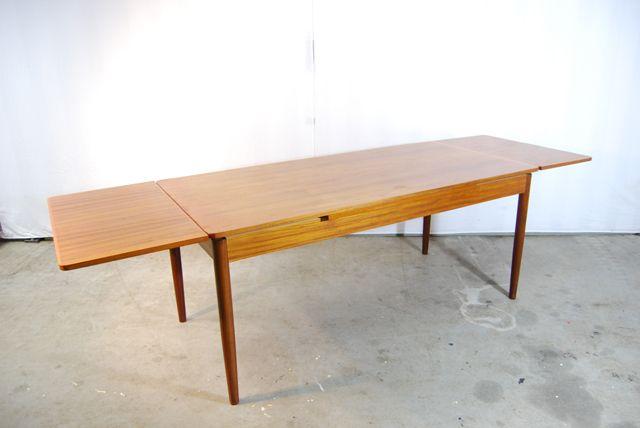 gro er vintage teakholz esstisch bei pamono kaufen. Black Bedroom Furniture Sets. Home Design Ideas