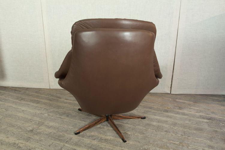 drehsessel aus braunem leder von h w klein f r bramin bei pamono kaufen. Black Bedroom Furniture Sets. Home Design Ideas