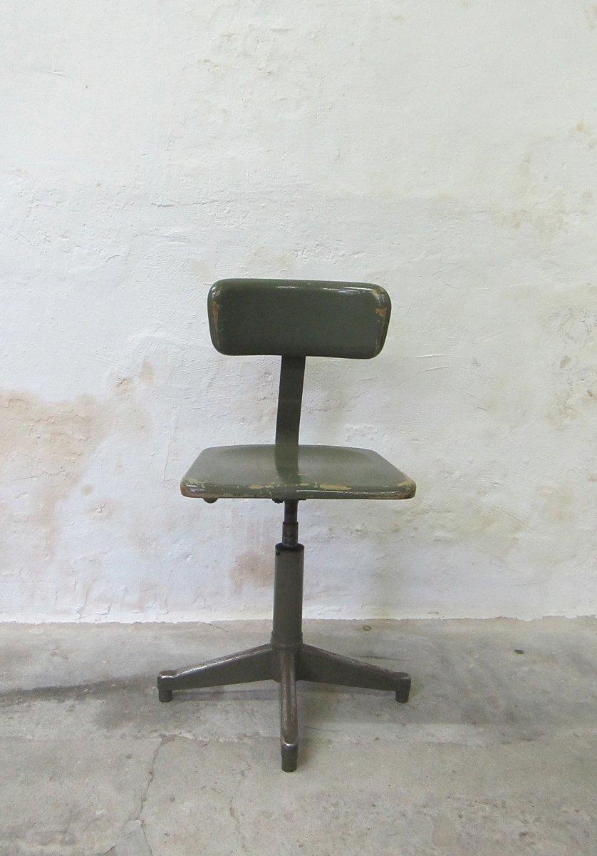chaise industrielle de acior belgique 1960s en vente sur pamono. Black Bedroom Furniture Sets. Home Design Ideas