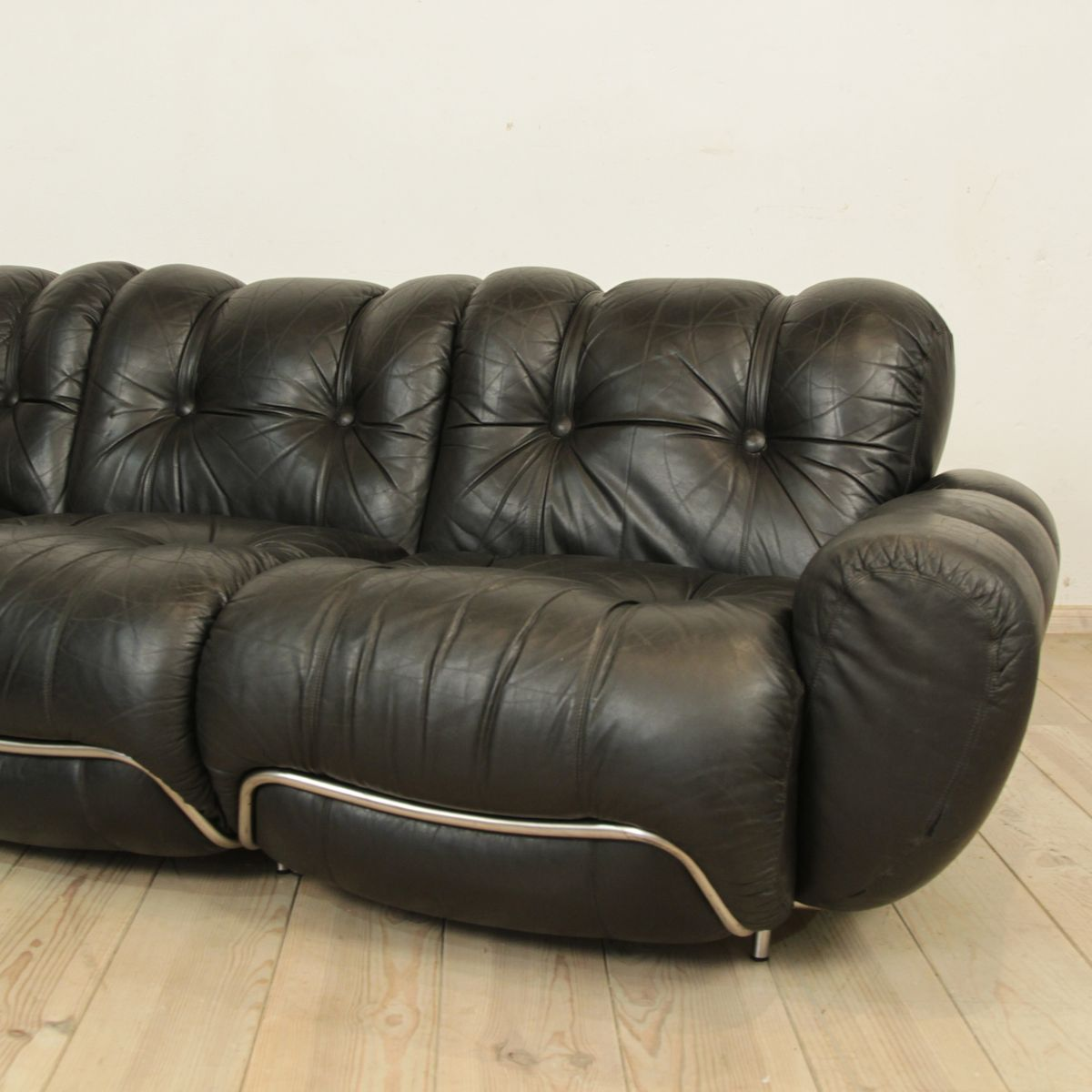 Italian Black Leather Sofa For Sale At Pamono