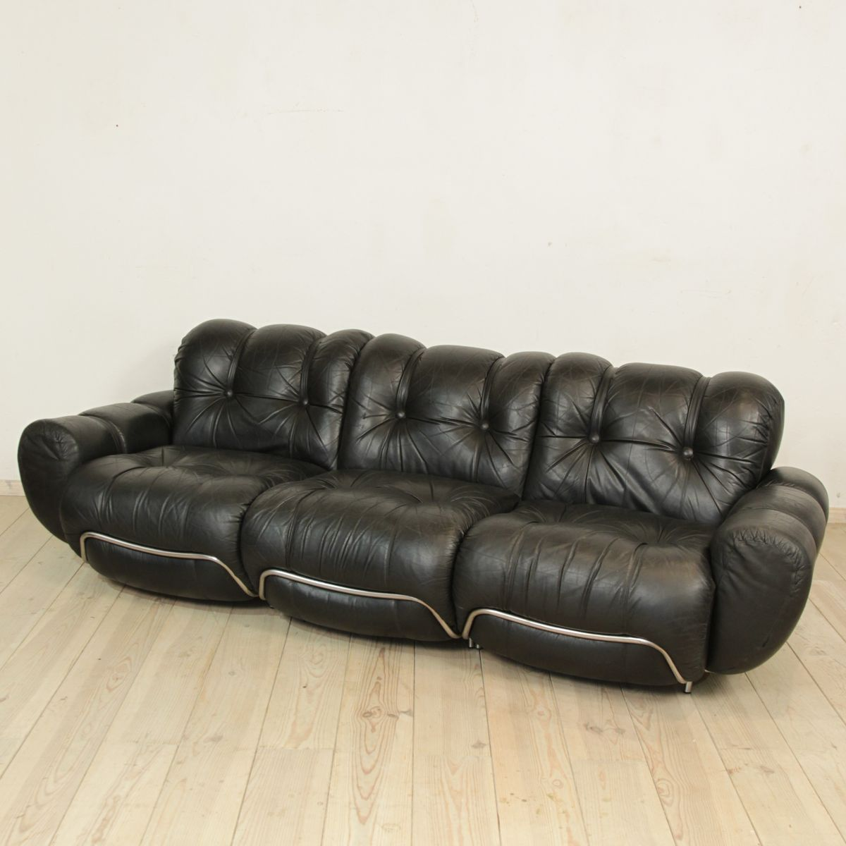 Italian Black Leather Sofa For Sale At Pamono