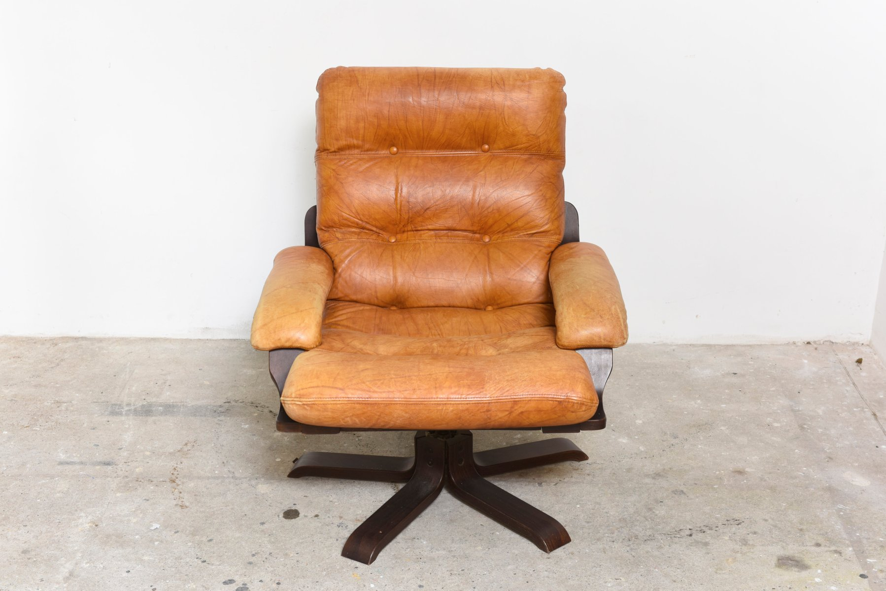 Nordic Cognac Leather Swivel Lounge Chair For Sale At Pamono