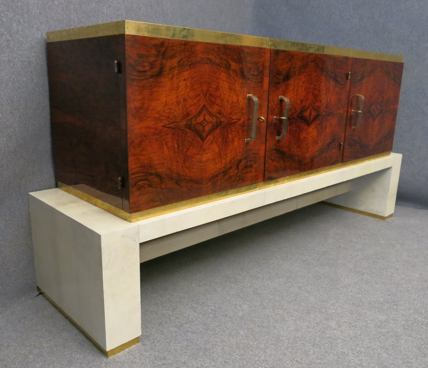 italian art deco walnut sideboard 1920 for sale at pamono. Black Bedroom Furniture Sets. Home Design Ideas