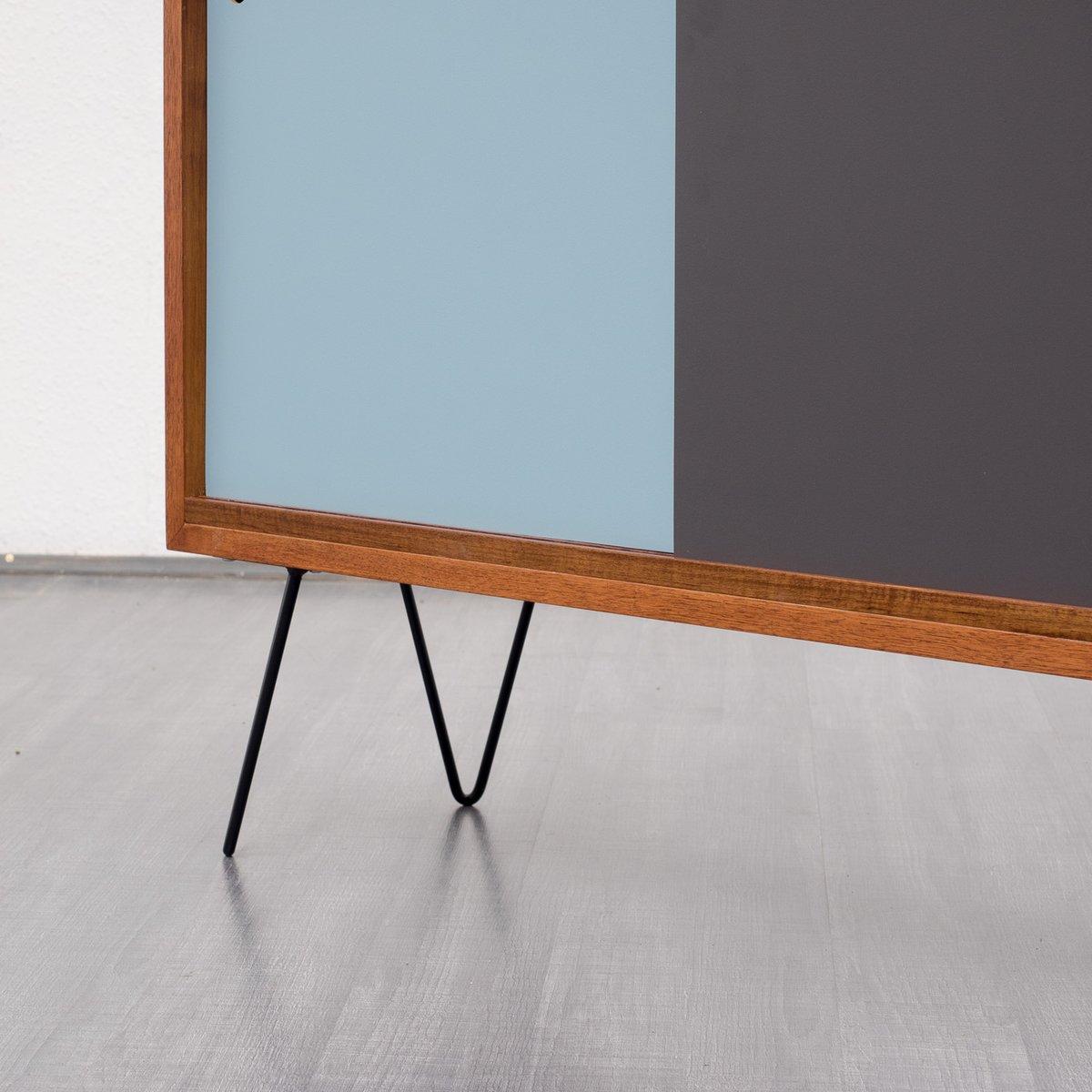 walnuss highboard mit bunter front 1960er bei pamono kaufen. Black Bedroom Furniture Sets. Home Design Ideas