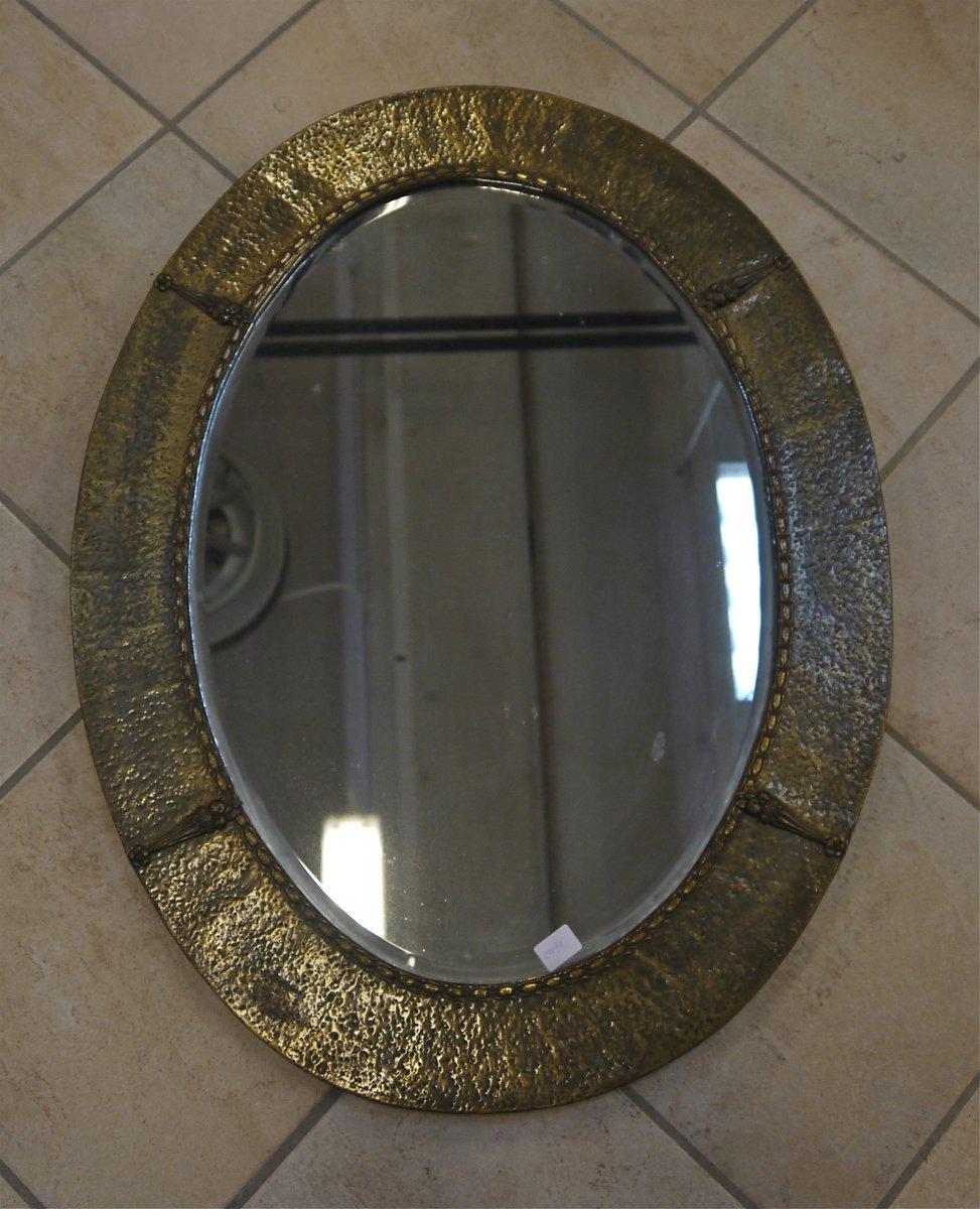 brutalistischer spiegel aus geh mmertem messing bei pamono. Black Bedroom Furniture Sets. Home Design Ideas
