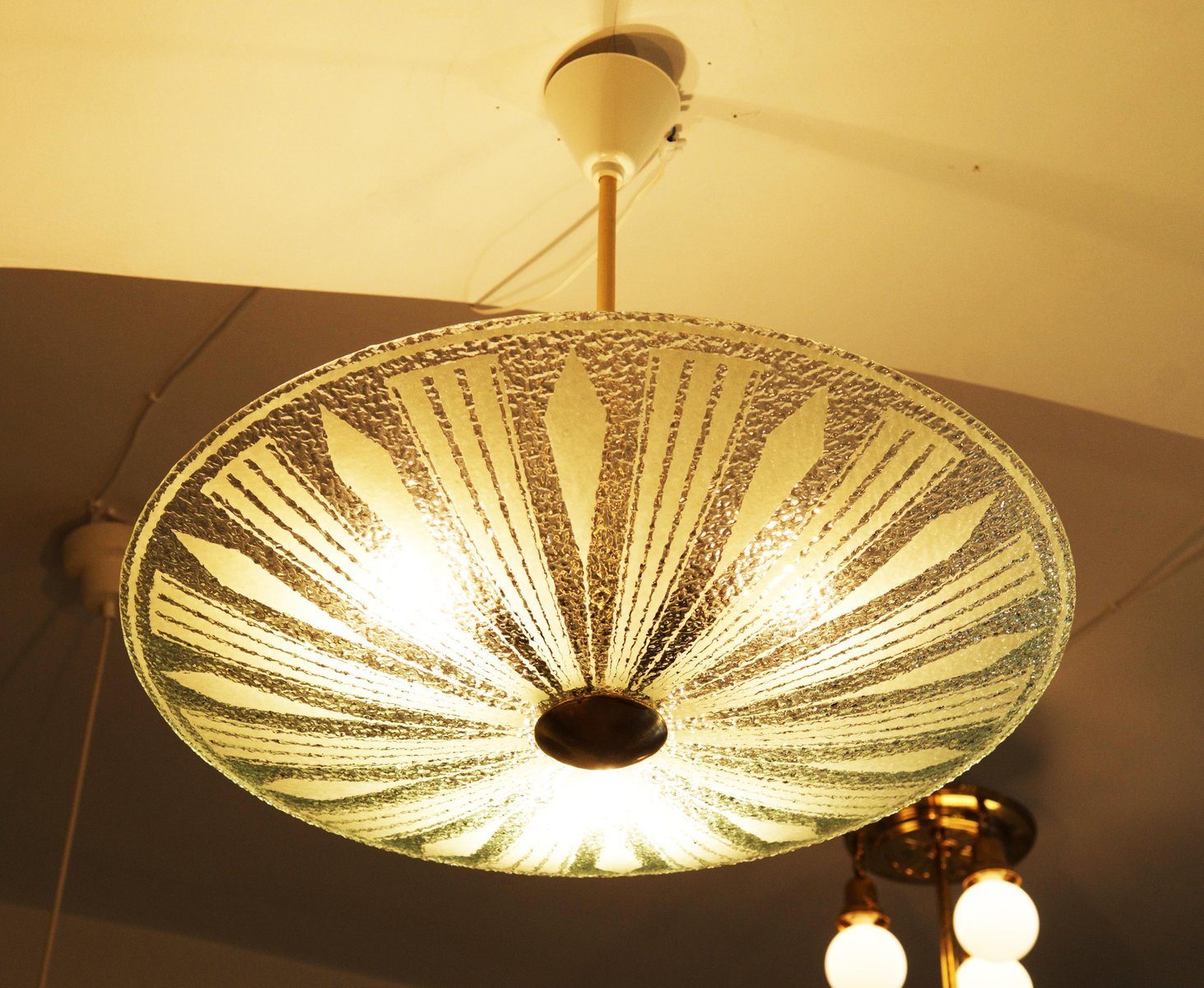 Mid century textured glass ceiling light for sale at pamono for Mid century ceiling lamp