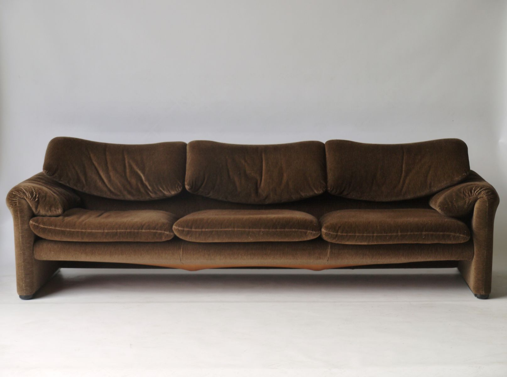 Maralunga Sofa By Vico Magistretti For Cassina 1970s For