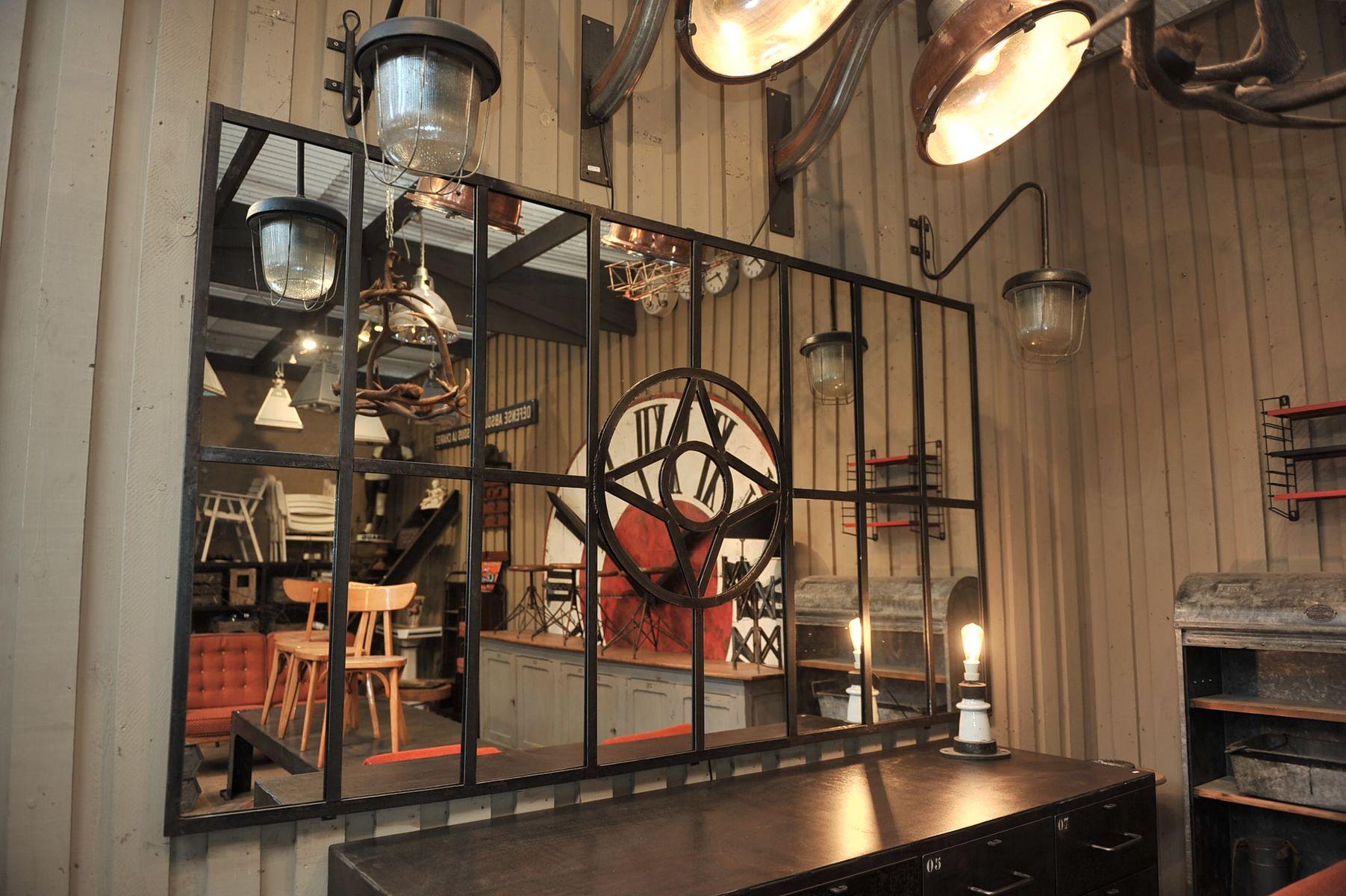 Grand miroir vintage industriel en acier 1930s en vente - Miroir acier industriel ...