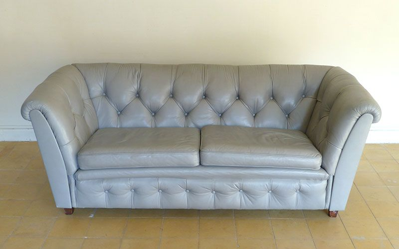 vintage 2 sitzer sofa aus grauem leder bei pamono kaufen. Black Bedroom Furniture Sets. Home Design Ideas