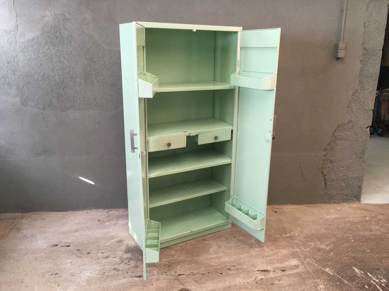 Metal kitchen cabinet from tolix 1950s for sale at pamono for 1950s kitchen cabinets for sale