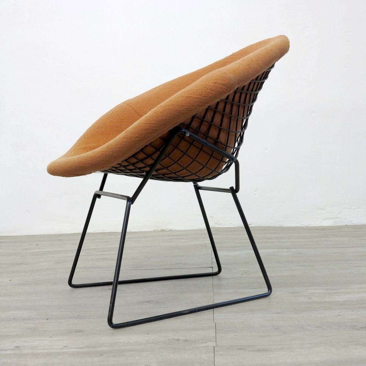 diamond chair by harry bertoia for knoll 1970s for sale. Black Bedroom Furniture Sets. Home Design Ideas