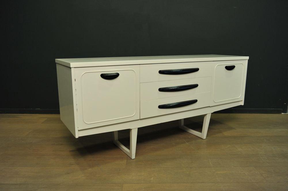 schwarz wei lackiertes sideboard 1960er bei pamono kaufen. Black Bedroom Furniture Sets. Home Design Ideas