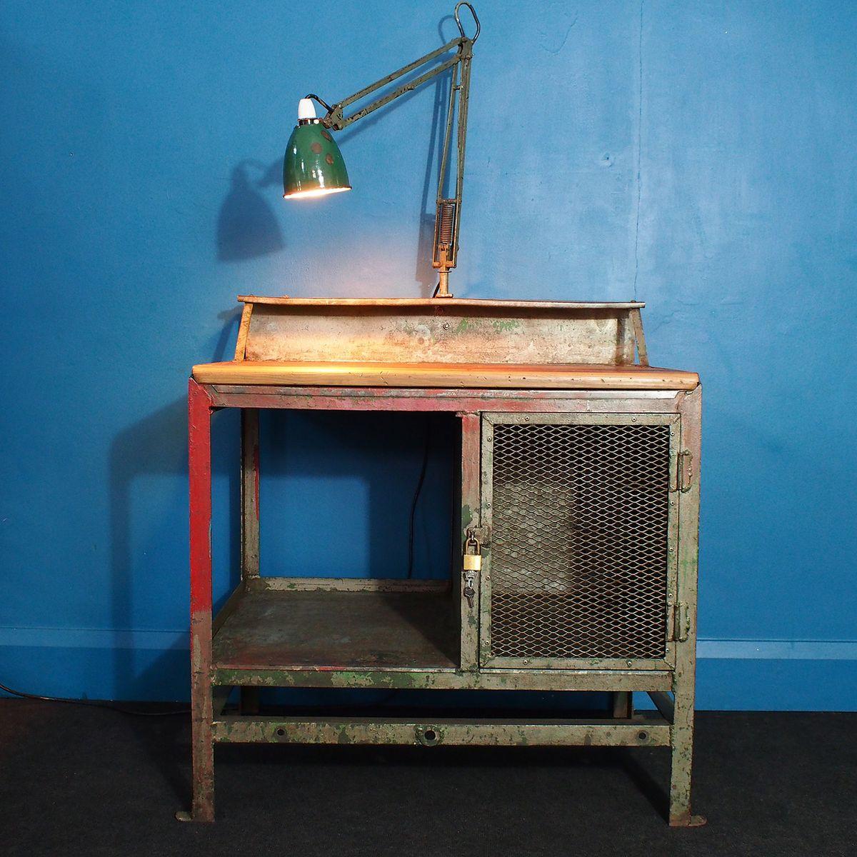 vintage industrie schreibtisch mit integrierter anglepoise lampe und hohem stuhl bei pamono kaufen. Black Bedroom Furniture Sets. Home Design Ideas