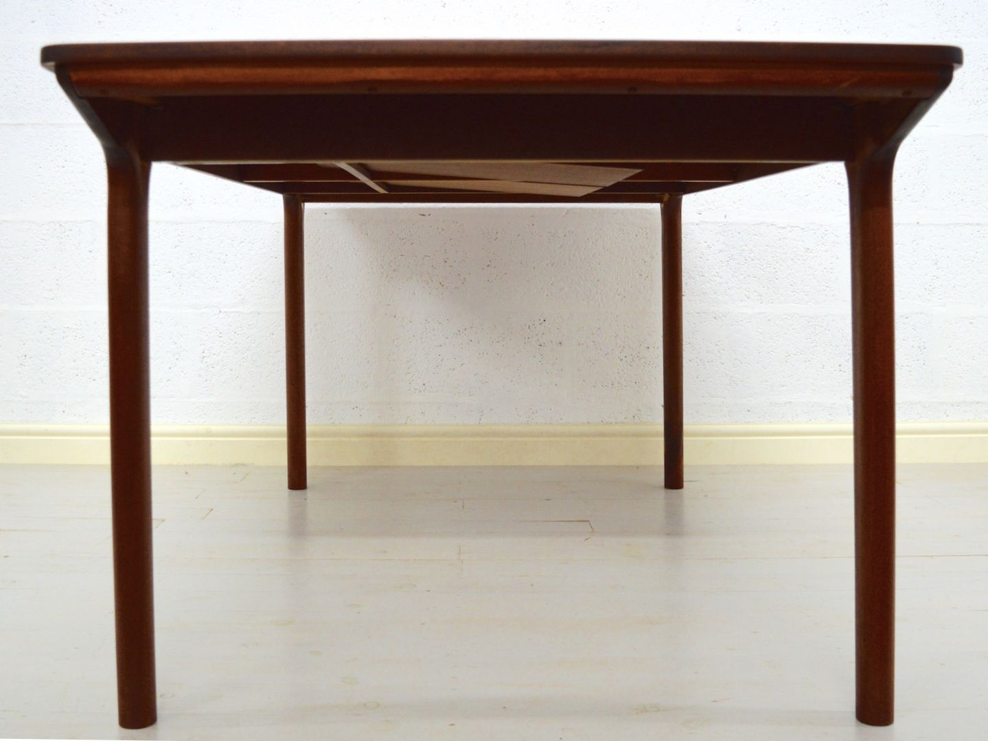 Vintage Teak Dining Table from McIntosh for sale at Pamono : vintage teak dining table from mcintosh 4 from www.pamono.com size 1439 x 1080 jpeg 480kB