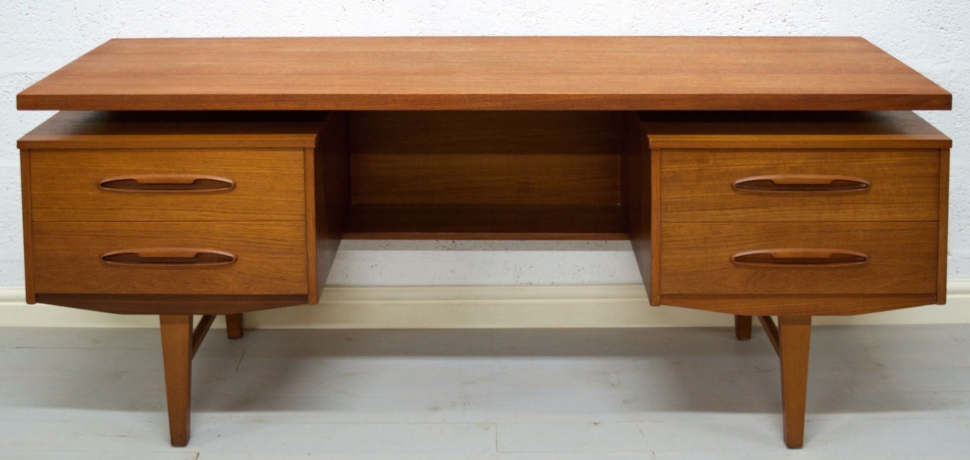 Vintage teak desk with floating top for sale at pamono for Floating desk for sale