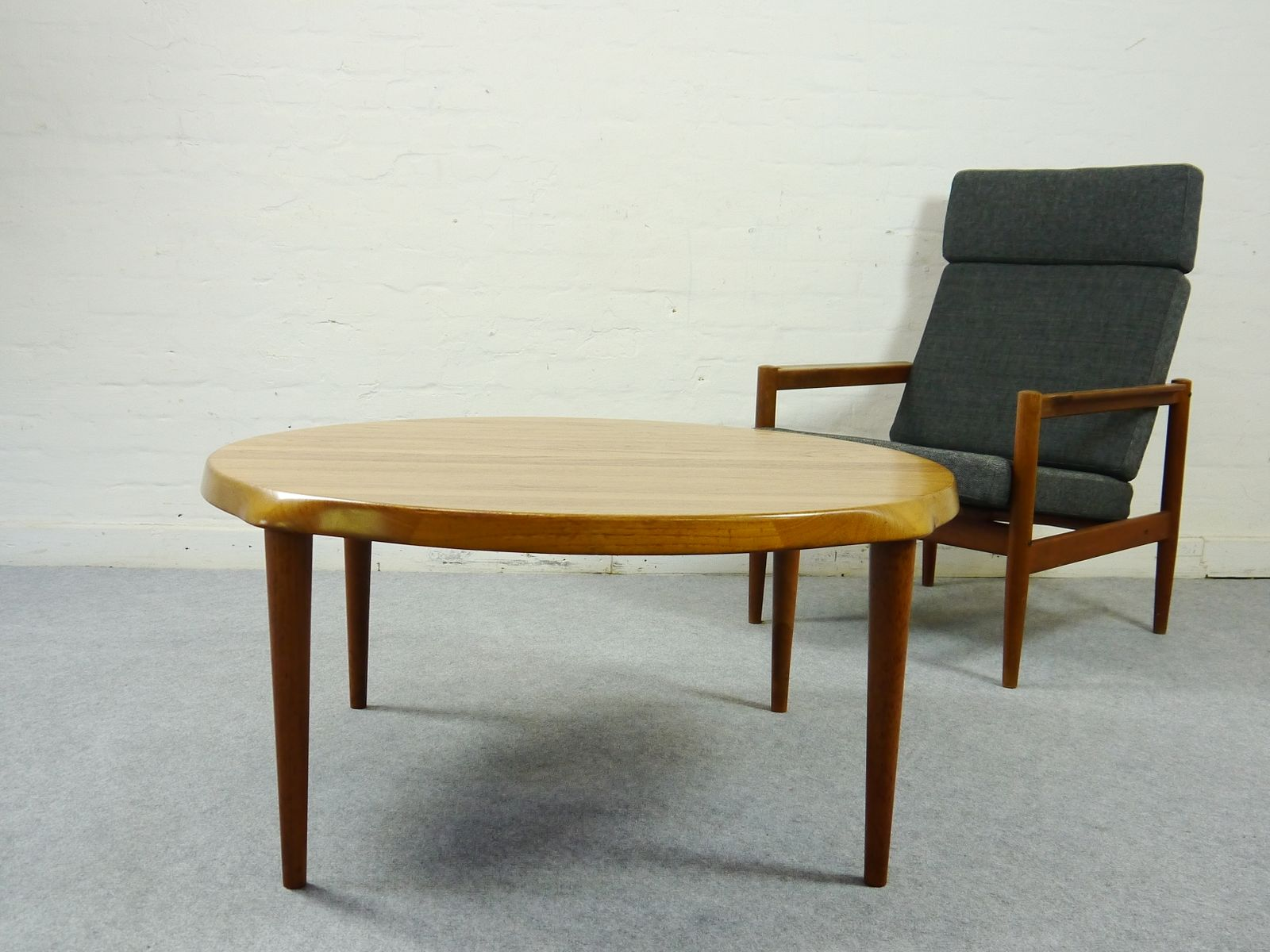 Danish Midcentury Teak Coffee Table By John Bone For Mikael Laursen For Sale At Pamono