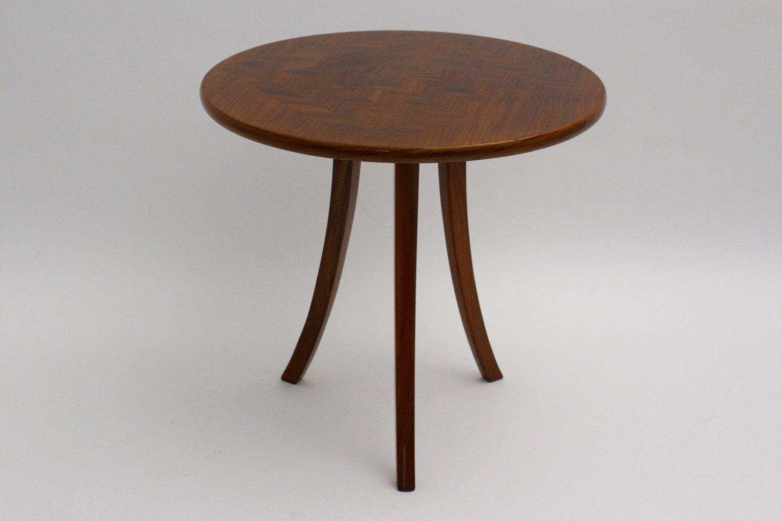 Table basse trois pieds art d co par josef frank pour - Table basse trois pieds ...