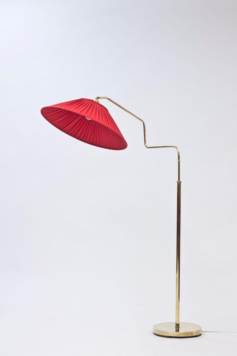lampadaire en laiton avec abat jour rouge coquelicot en vente sur pamono. Black Bedroom Furniture Sets. Home Design Ideas