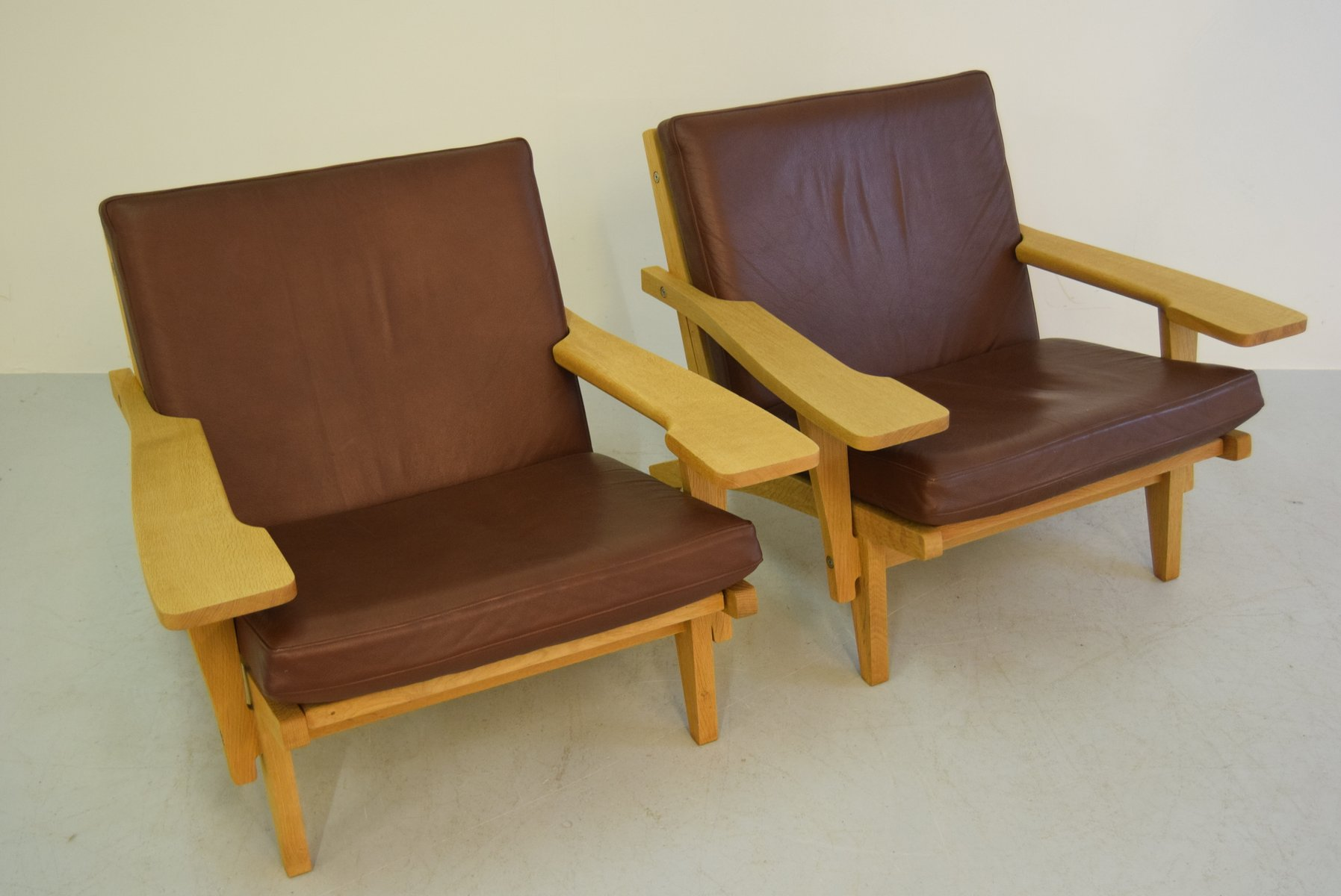 Easy Chairs Model GE 375 by Hans J Wegner for Getama 1960s for