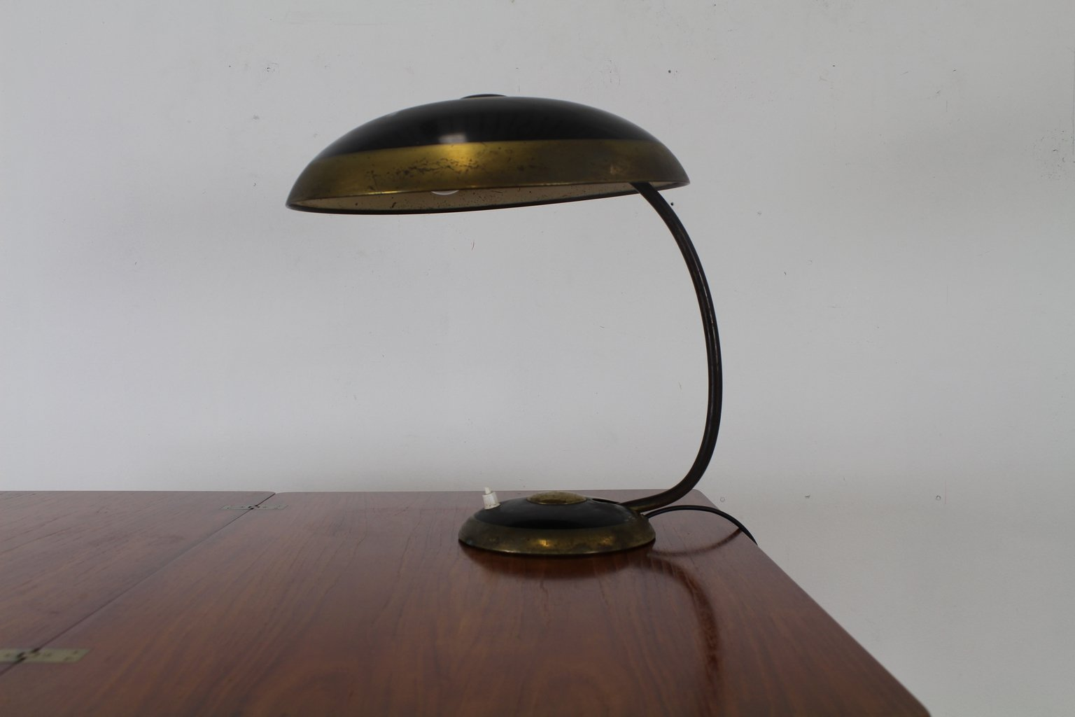 rounded german bauhaus desk lamp from help lampe 1959 for sale at pamono. Black Bedroom Furniture Sets. Home Design Ideas
