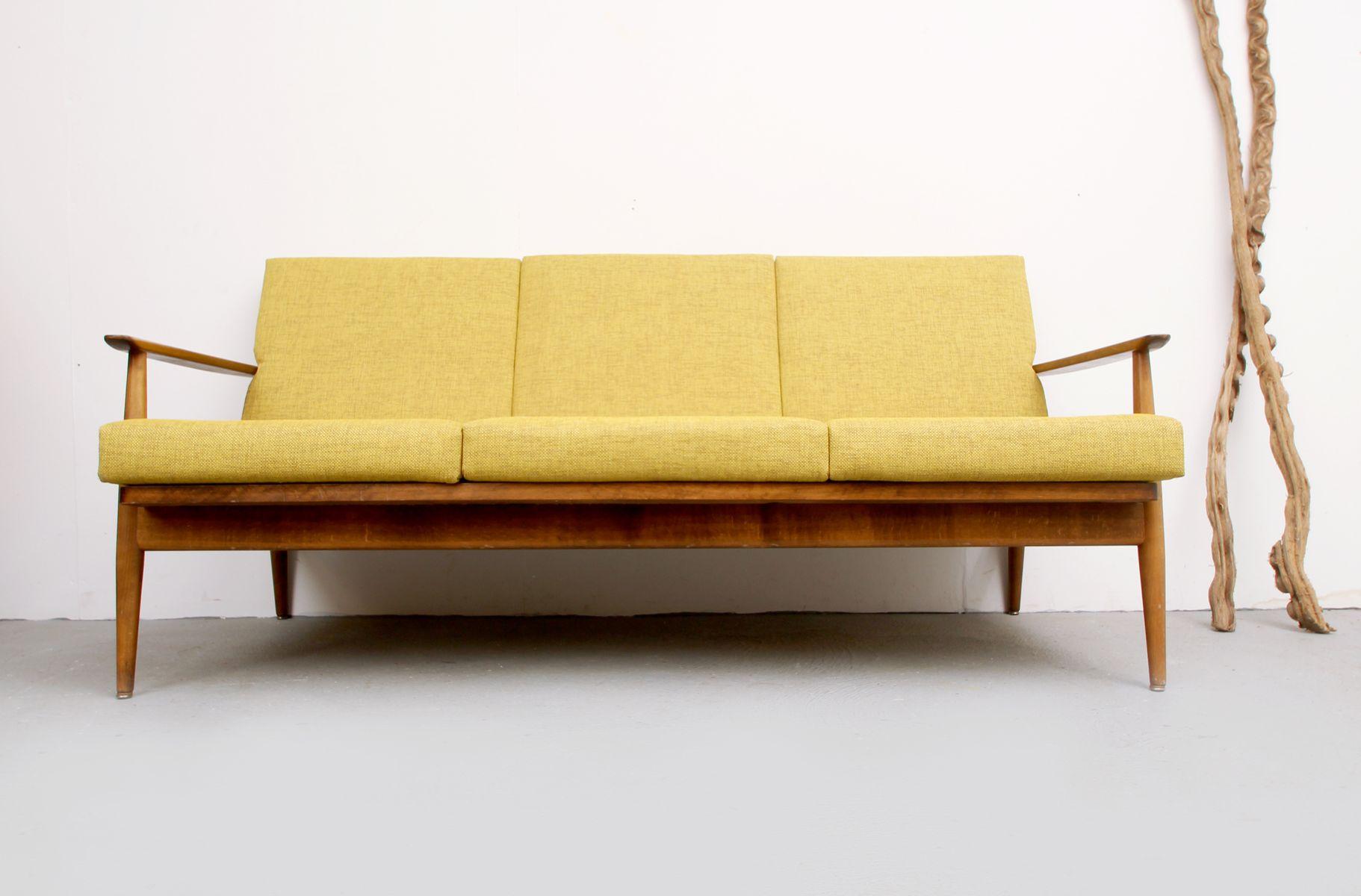 gelbes sofa 1960er bei pamono kaufen. Black Bedroom Furniture Sets. Home Design Ideas