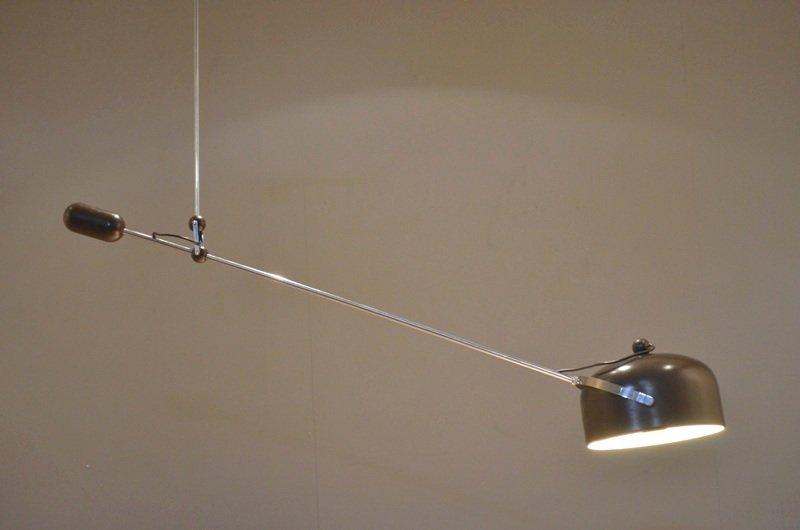 Lampe suspension avec bras articul en contrepoids pour for Suspension de salon