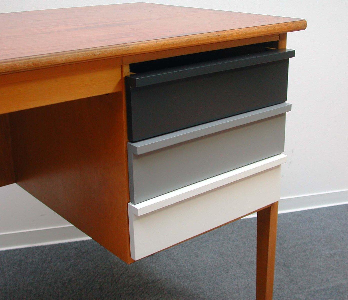 vintage lehrerpult aus holz 1960er bei pamono kaufen. Black Bedroom Furniture Sets. Home Design Ideas