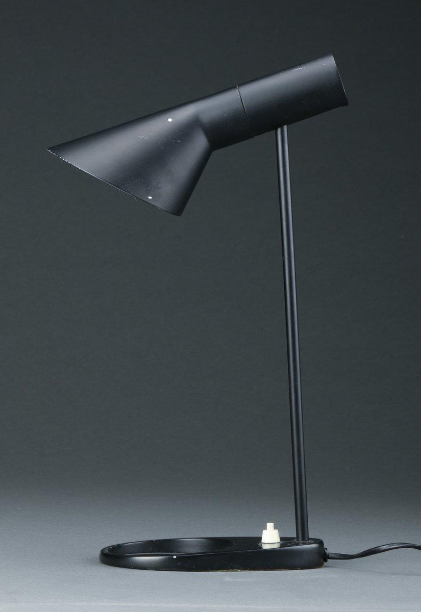 n bet tischlampe von arne jacobsen f r louis poulsen bei pamono kaufen. Black Bedroom Furniture Sets. Home Design Ideas