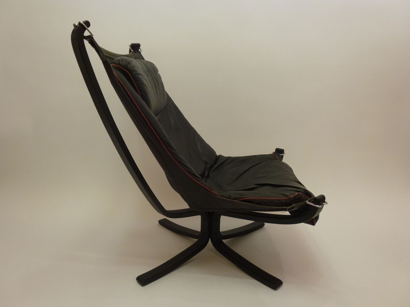Vintage Norwegian Falcon Chair from Vatne Mobler for sale at Pamono