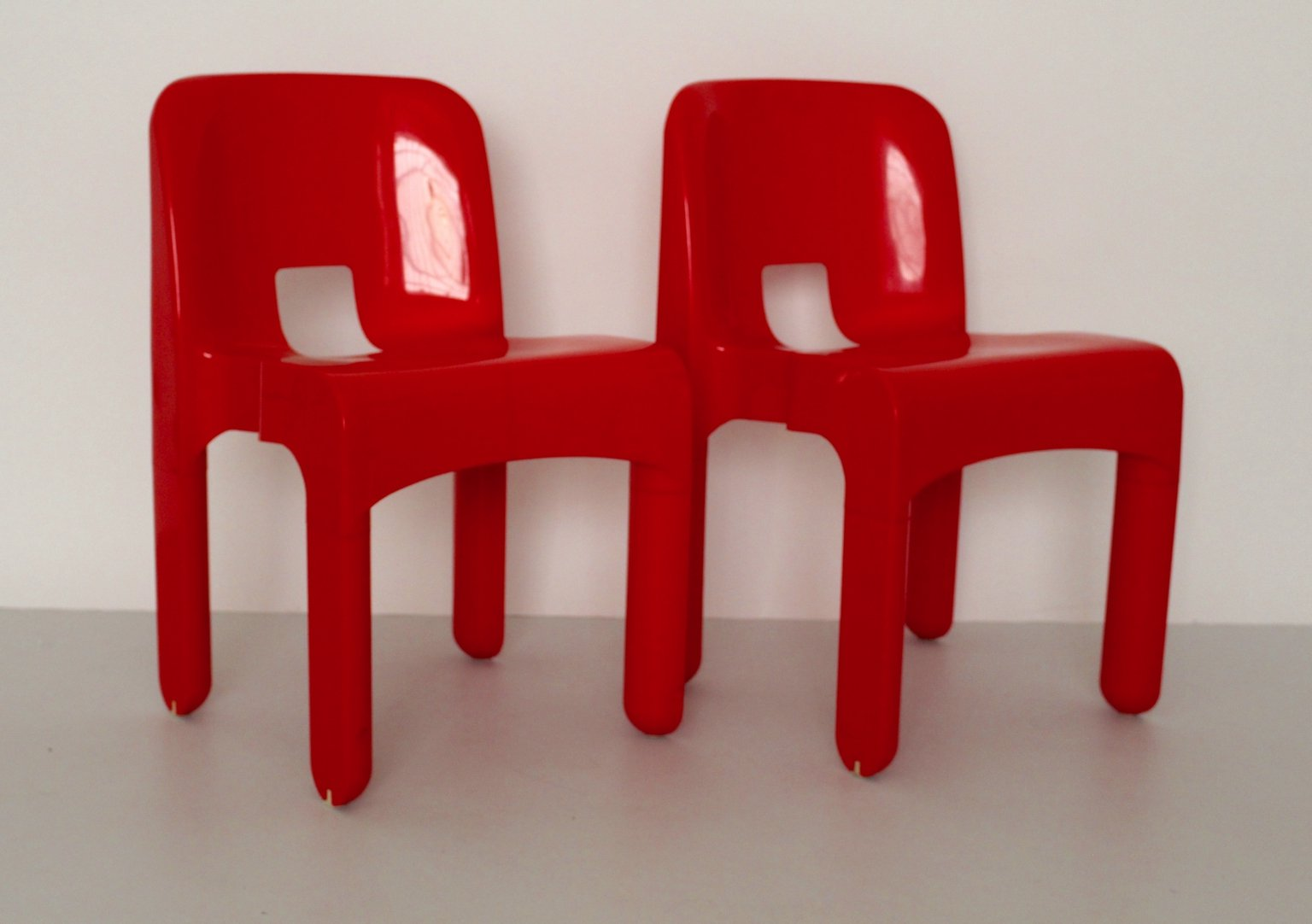 Model Universale Plastic Chairs By Joe Colombo For Kartell - Kartell furniture
