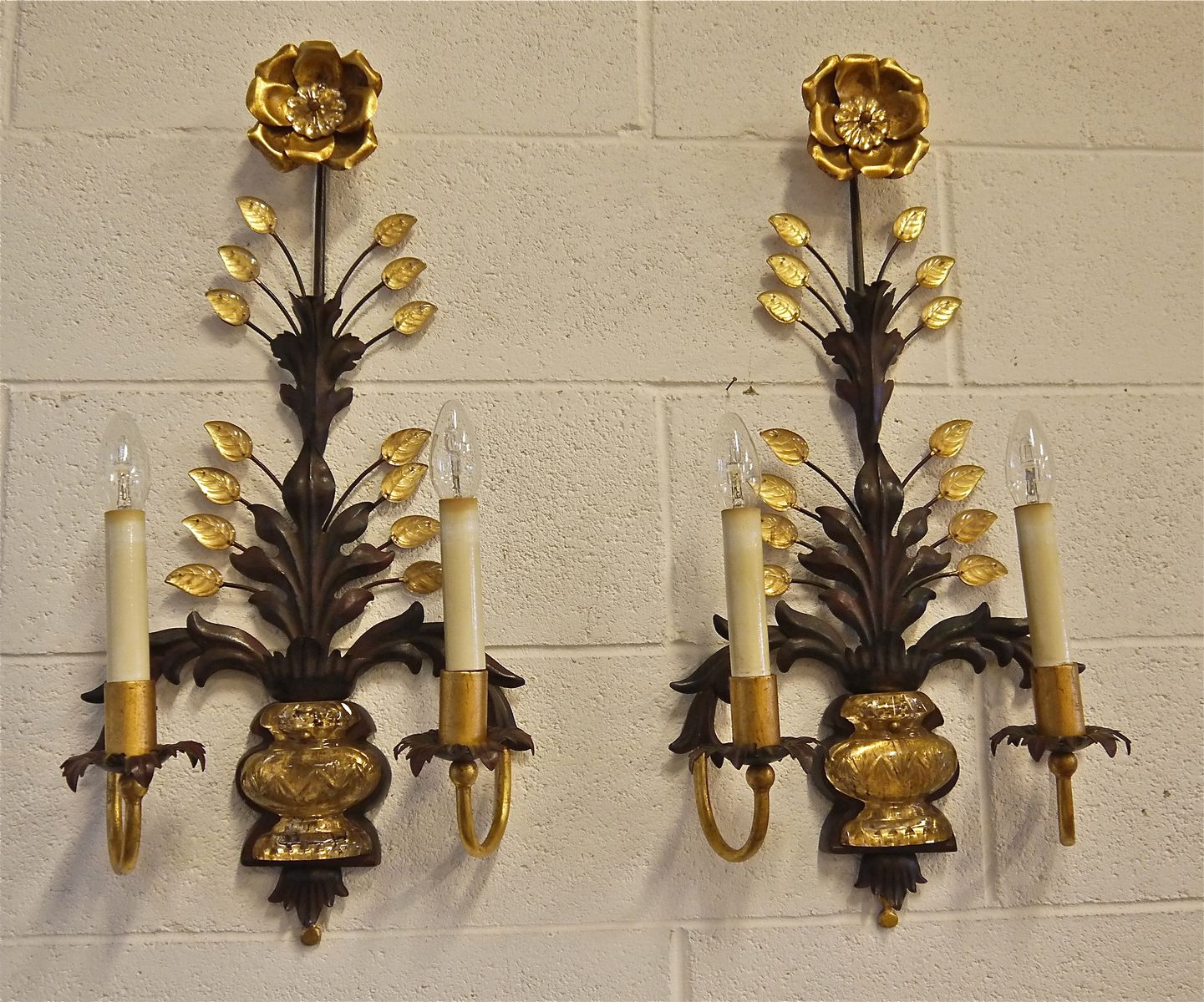 Italian Made Wall Sconces : Italian Glass and Iron Wall Sconces, Set of 2 for sale at Pamono