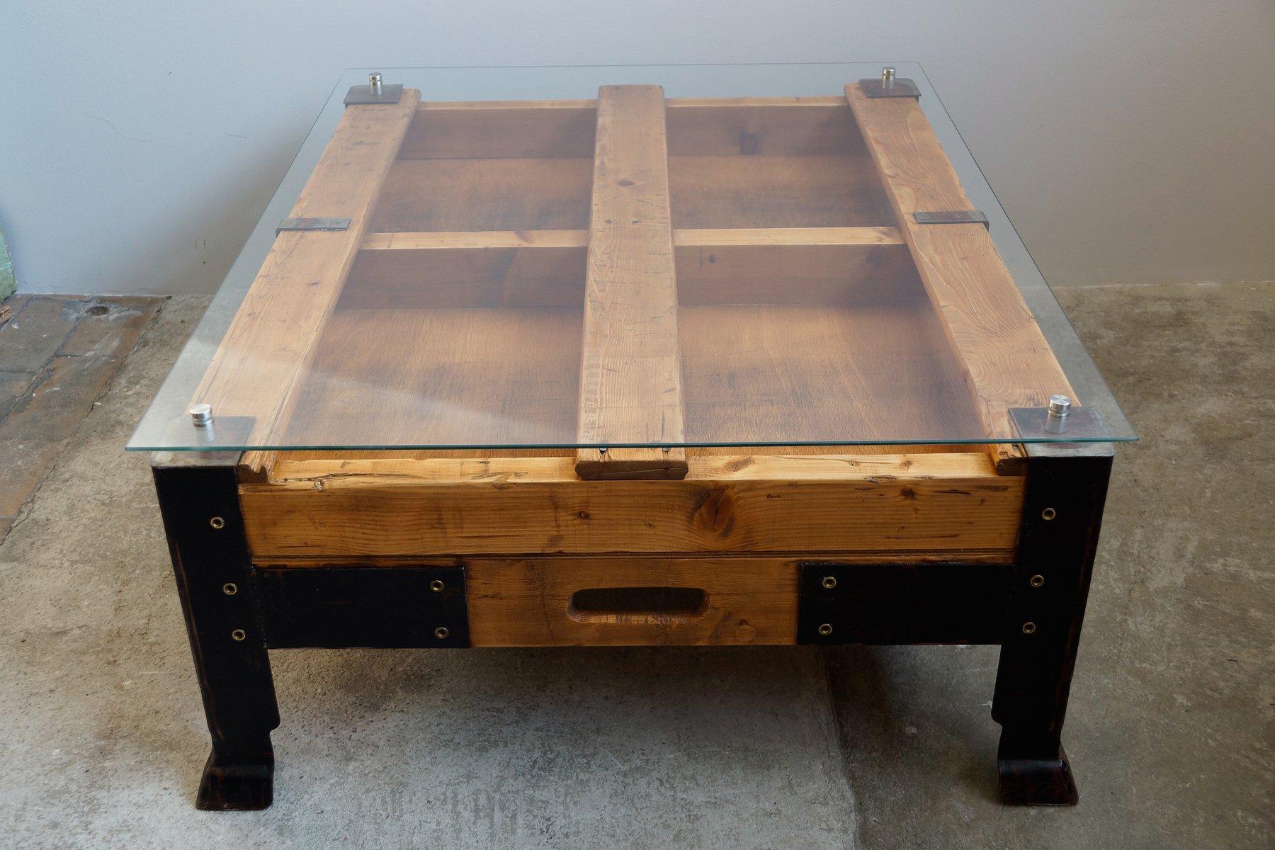 Table basse palette industrielle avec dessus en verre en - Table basse palette industrielle ...