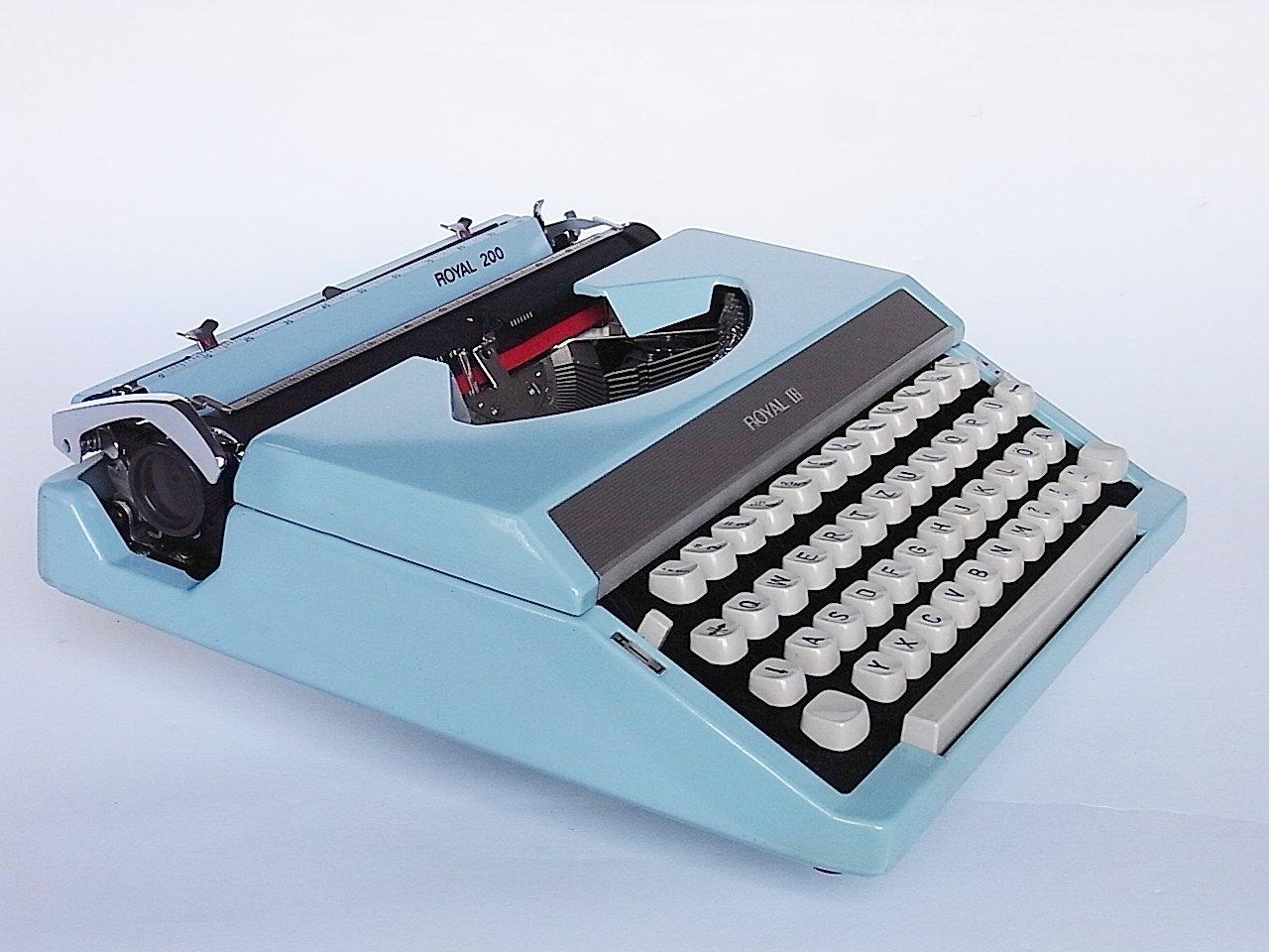 machine ecrire de voyage mod le 200 par royal 1970s en vente sur pamono. Black Bedroom Furniture Sets. Home Design Ideas