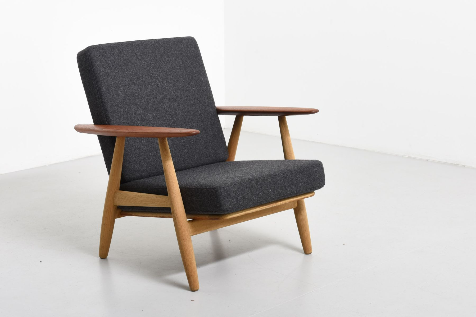 oak teak cigar chair by hans j wegner for getama for. Black Bedroom Furniture Sets. Home Design Ideas