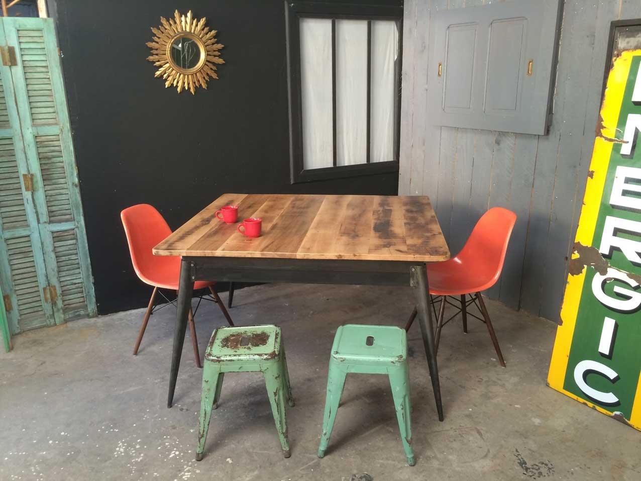 table de salle manger industrielle de tolix en vente sur pamono. Black Bedroom Furniture Sets. Home Design Ideas