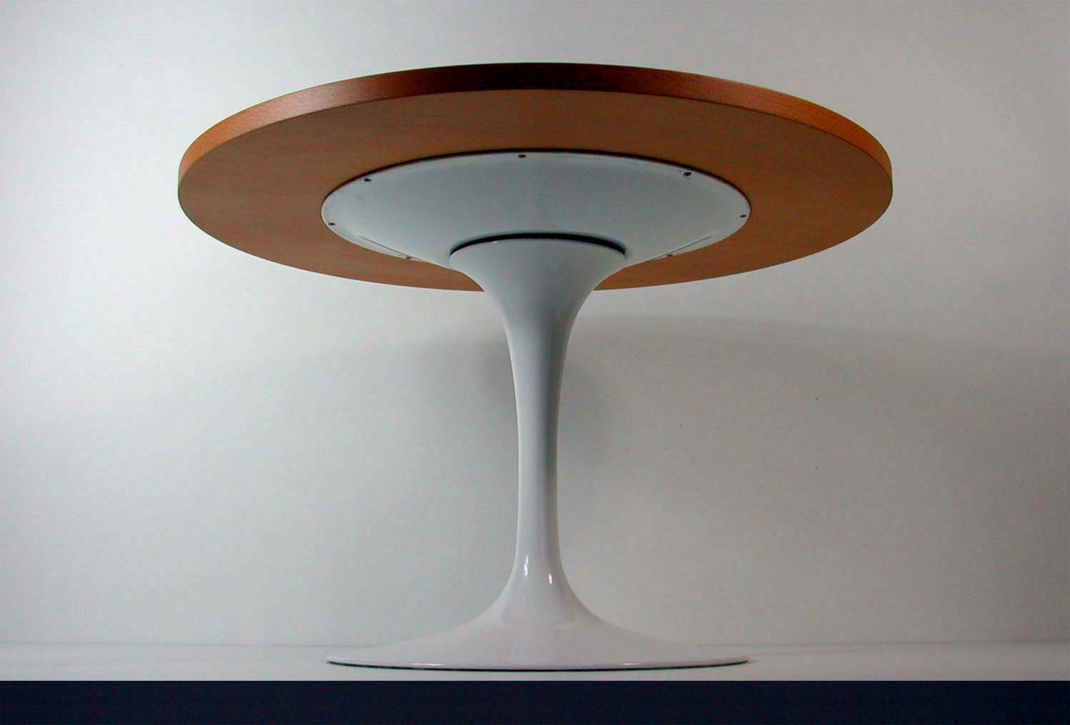 tulip base lazy susan coffee table by eero saarinen for knoll for