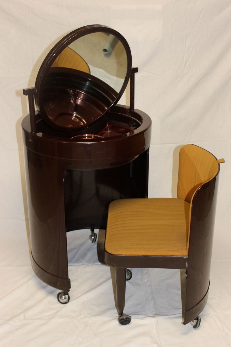 italienischer schminktisch mit stuhl 1970er bei pamono kaufen. Black Bedroom Furniture Sets. Home Design Ideas