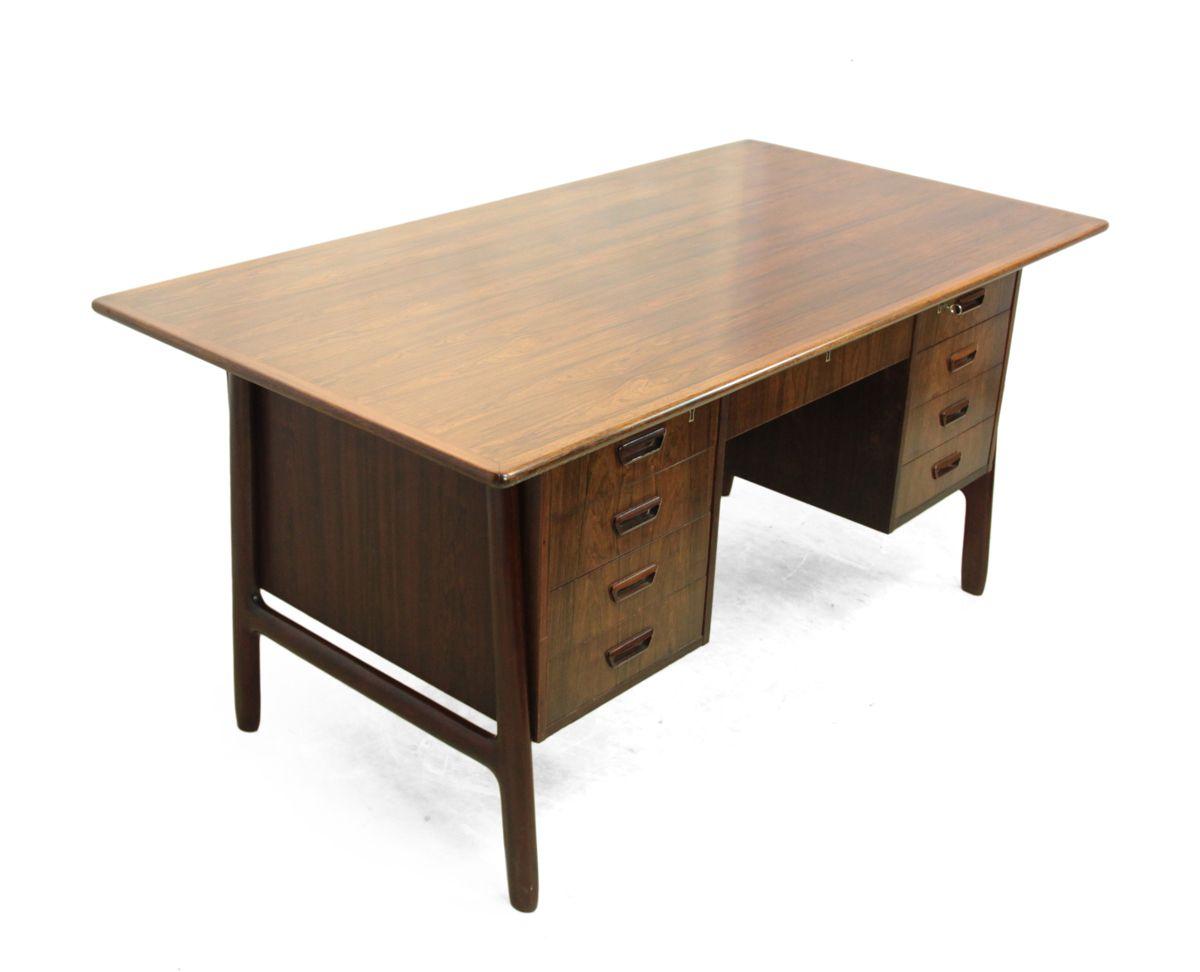 d nischer palisander schreibtisch von gunni omann 1960er. Black Bedroom Furniture Sets. Home Design Ideas