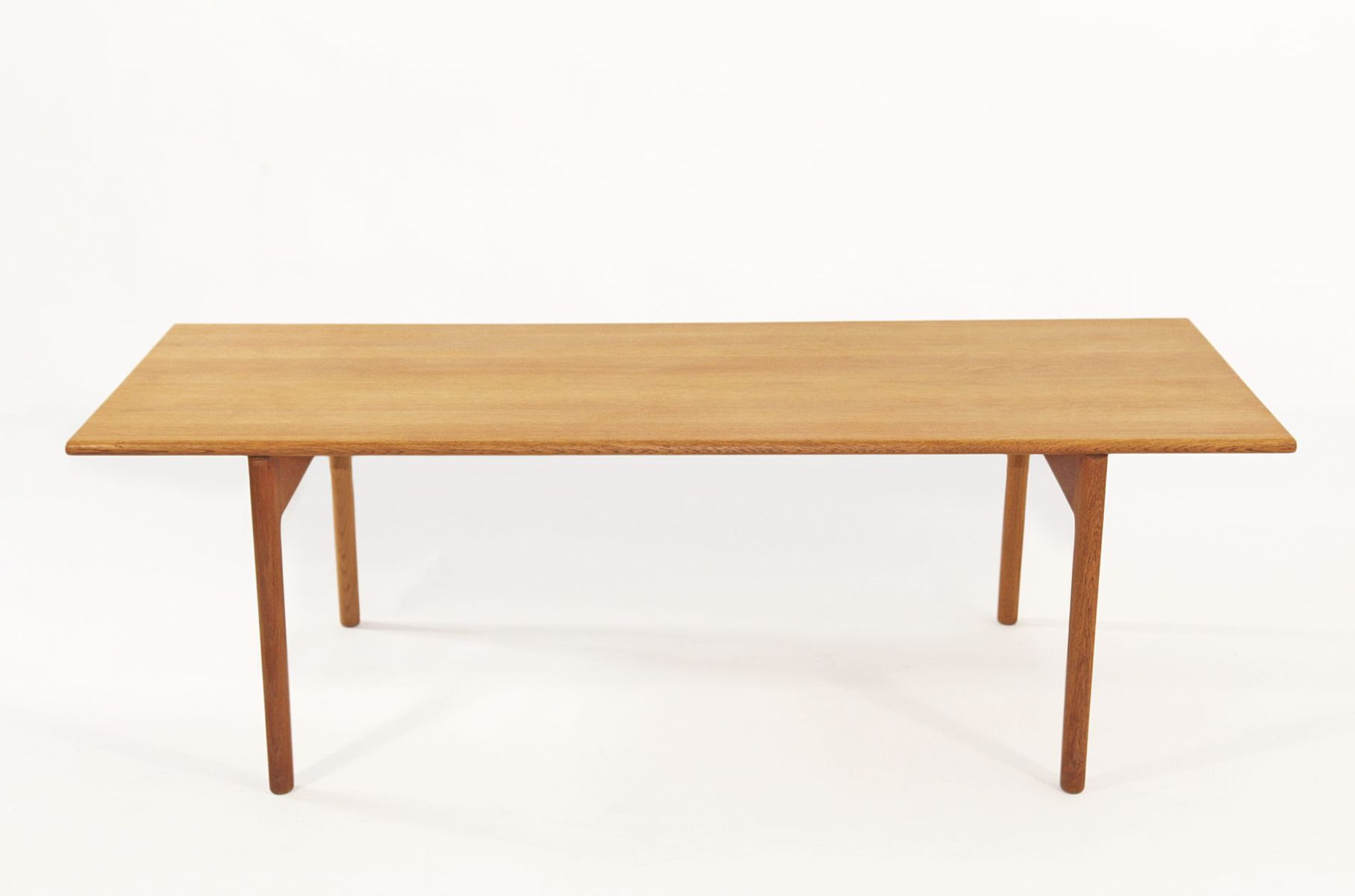 Table basse mod le at 15 vintage par hans j wegner pour - Modele table basse ...