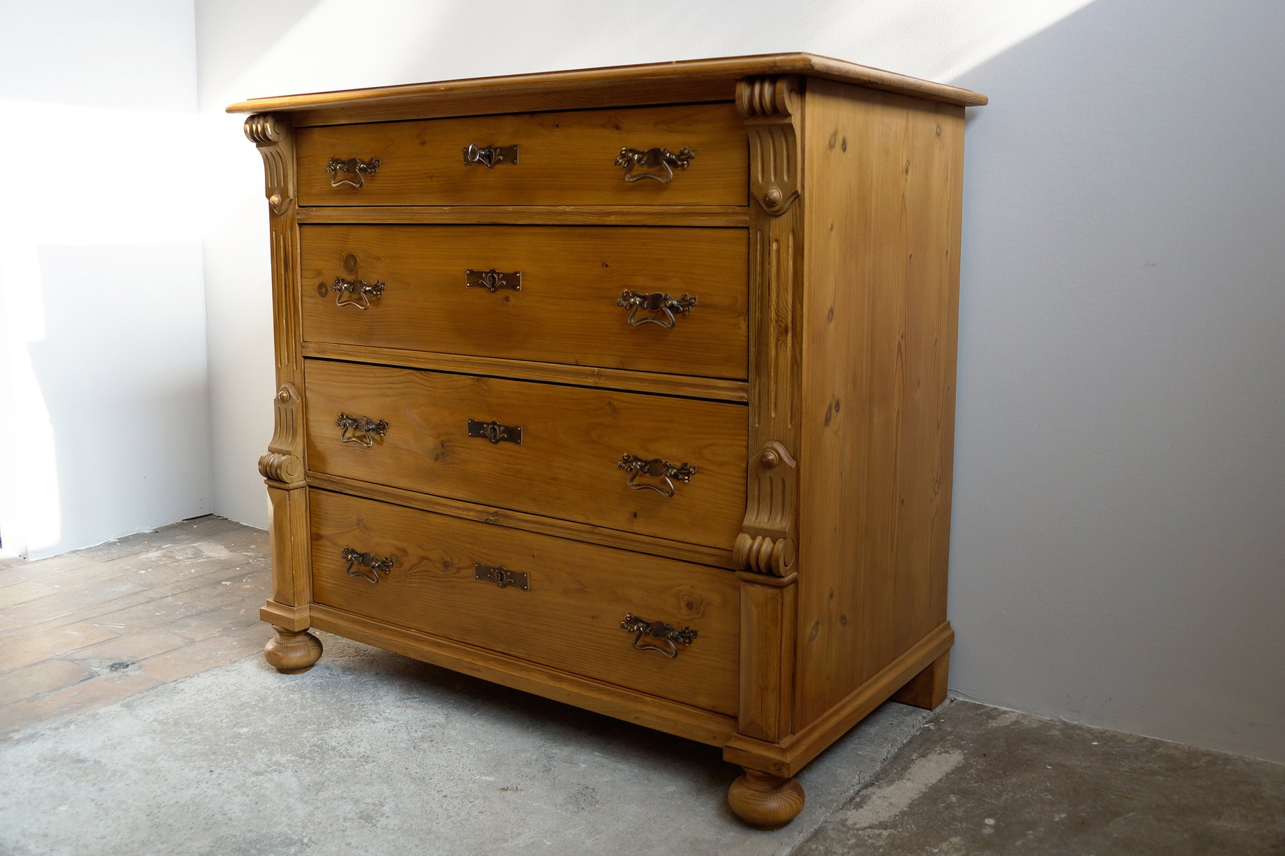 large antique chest of drawers 1880 for sale at pamono. Black Bedroom Furniture Sets. Home Design Ideas