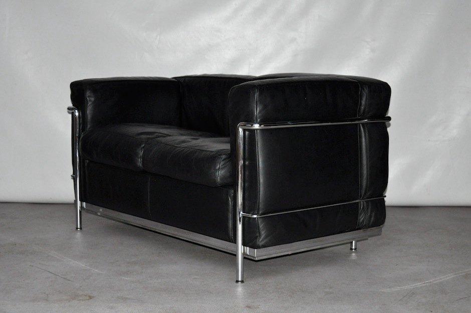 Canap deux places vintage en cuir et acier chrom par le corbusier pour cass - Canape cuir le corbusier ...