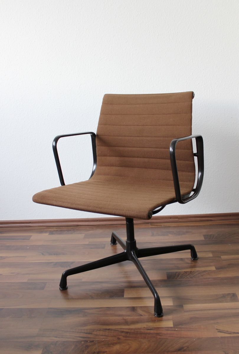 vintage cognac ea107 alu chair by charles eames for vitra. Black Bedroom Furniture Sets. Home Design Ideas
