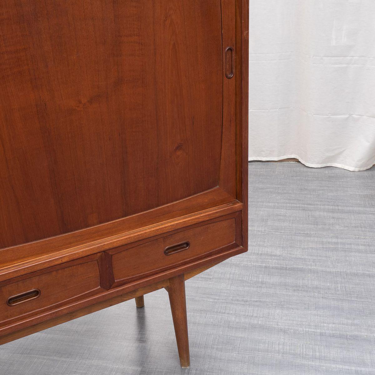 skandinavisches mid century teakholz sideboard 1960er bei. Black Bedroom Furniture Sets. Home Design Ideas