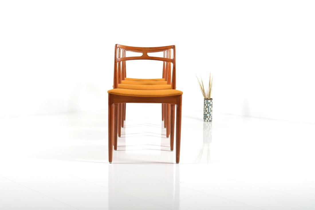 Model 94 Dining Chairs By Johannes Andersen For Christian