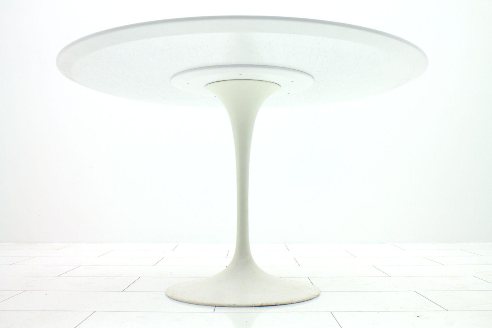 Knoll Eero Saarinen Medium Dining Knoll Eero Saarinen