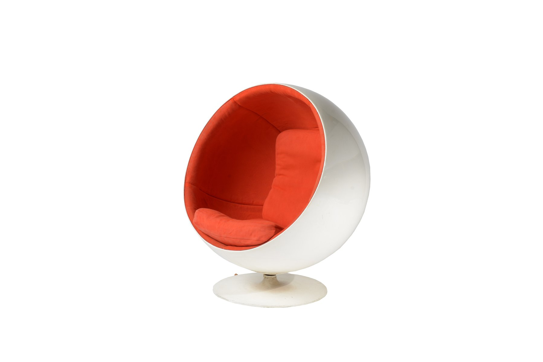 space age ball chair by eero aarnio for akso
