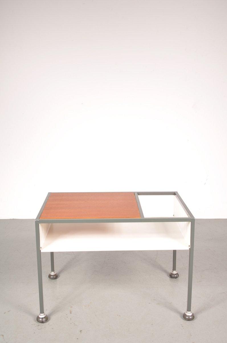 Industrieller vintage tisch auf rollen aus teakholz for Vintage tisch